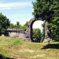 Carsulae arch